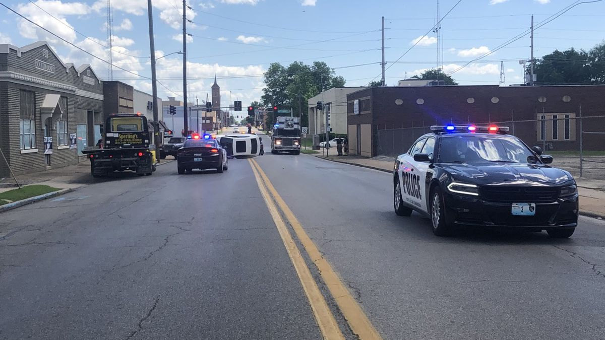 Sprigg St. in Cape Girardeau closed due to car accident
