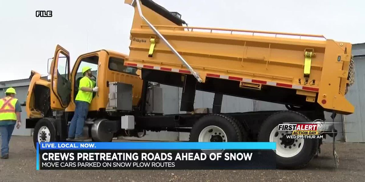 Crews pretreating roads for winter weather