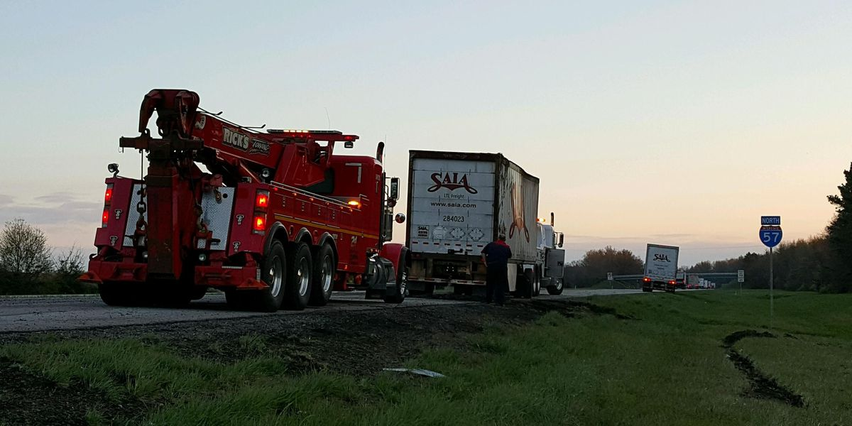 Semi rolls over on I-57 in Franklin Co.