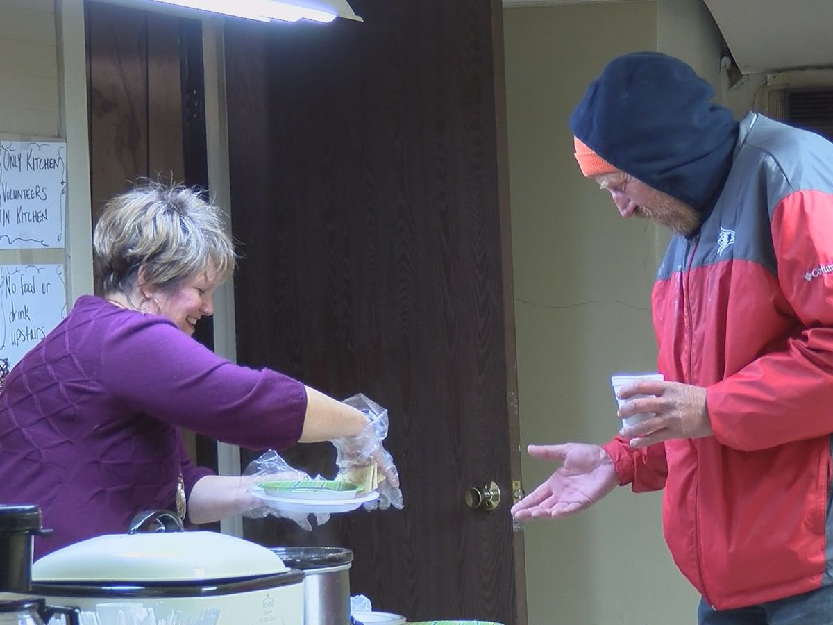 Overnight warming centers, hot showers open to homeless at Cape Girardeau church