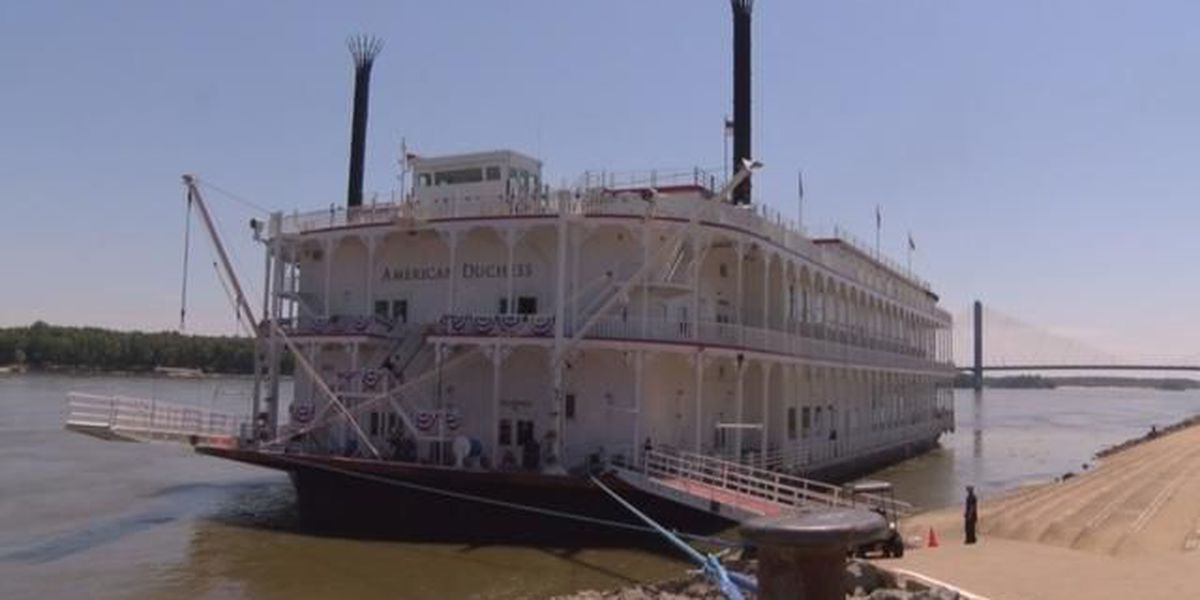Cape Girardeau welcomes new steamboat