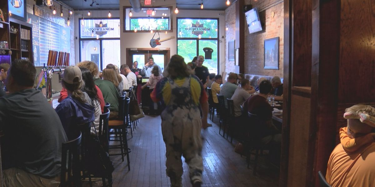 Families gather at Heartland restaurants to celebrate Mother's Day