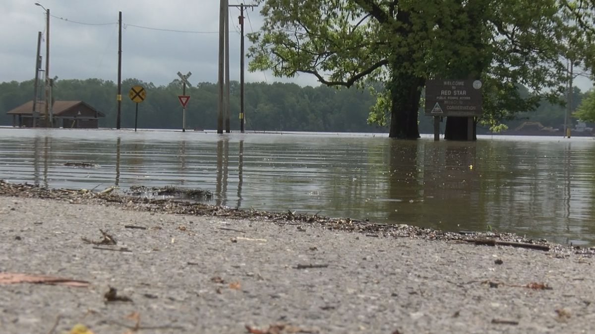 Campsites, boat ramps still closed along flooded Mississippi River