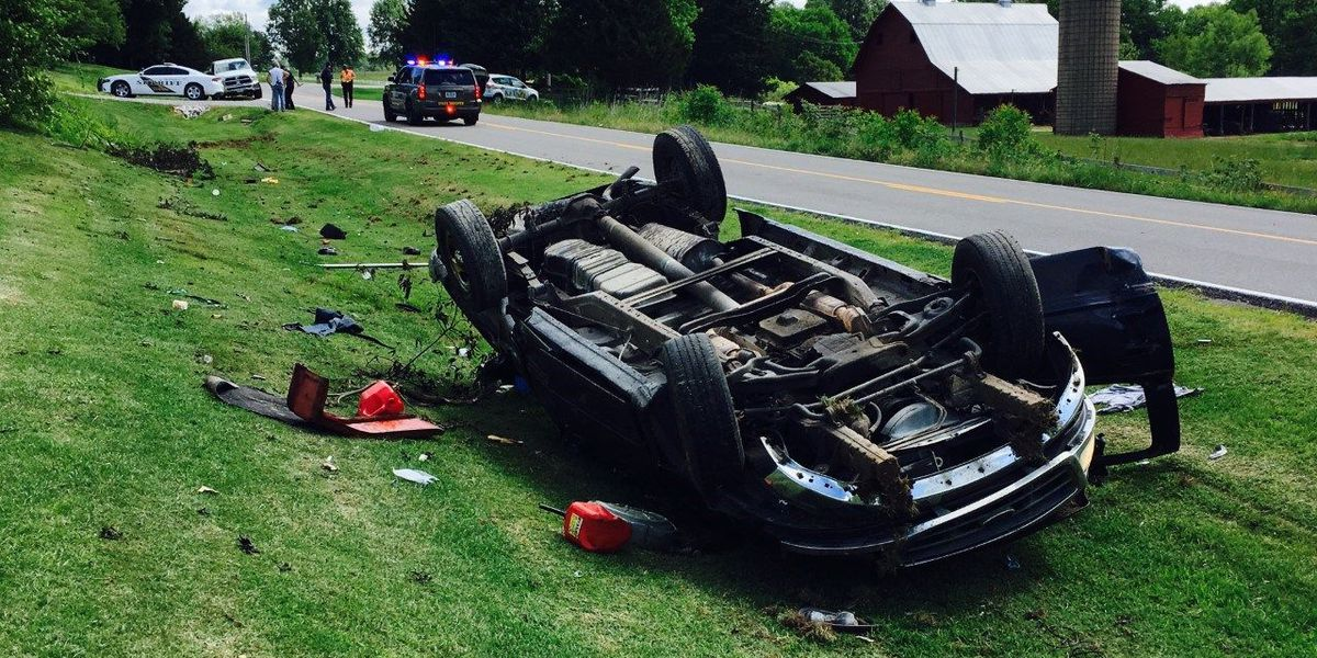 Two people injured in single-car rollover crash in Cape Girardeau Co., MO