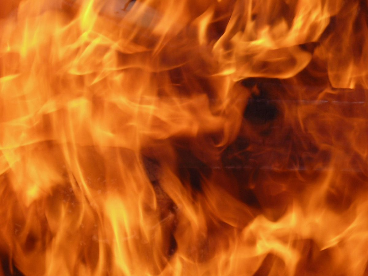 Perryville shop catches fire, roof collapses