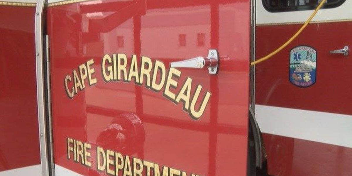 Fire crews look into smell of smoke at Walgreens in Cape Girardeau