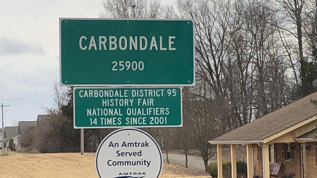 City of Carbondale offers free parking during holidays