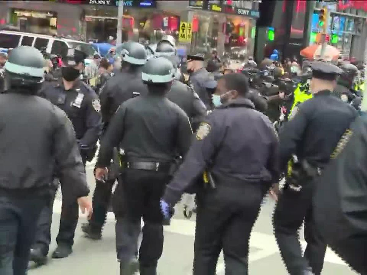 Jews For Trump car parade stirs protests, fights in New York