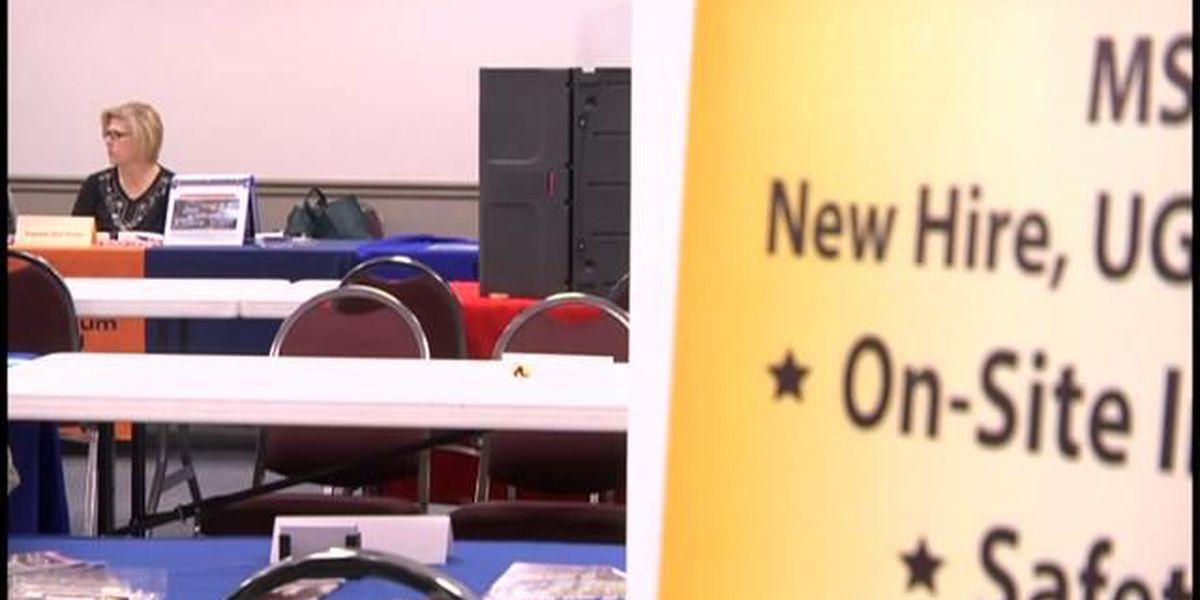 Hundreds attend West Frankfort job fair