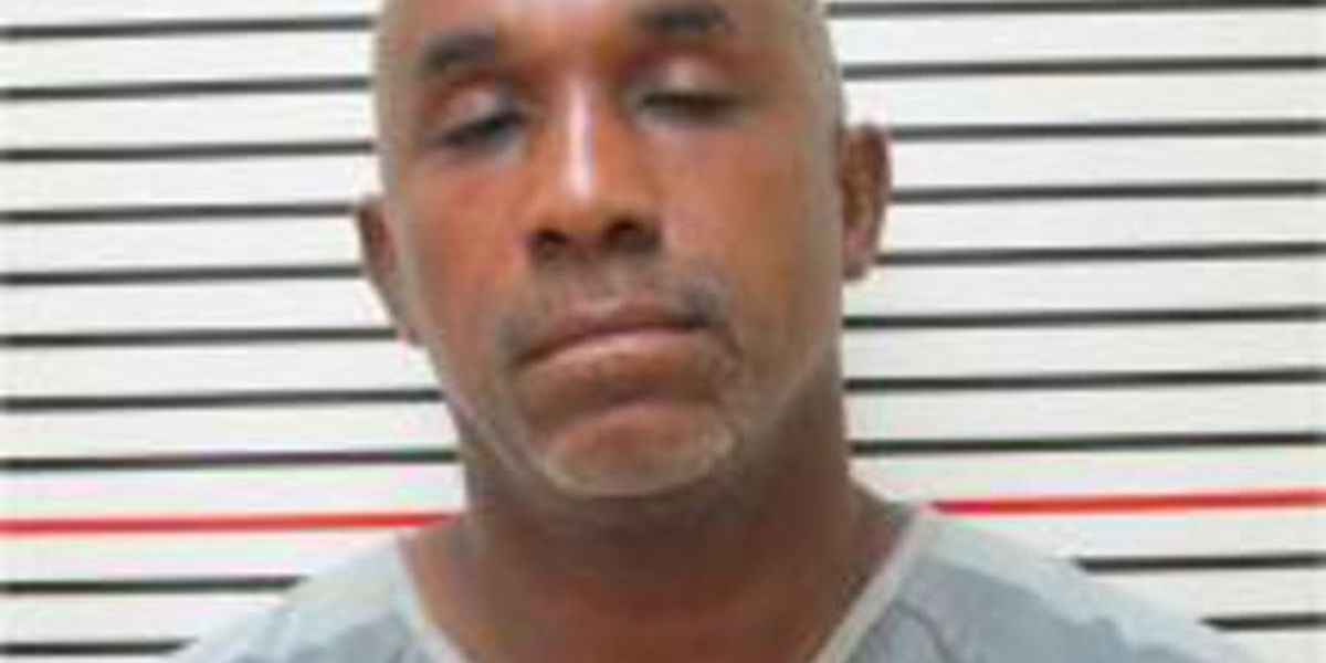 Carbondale man arrested after police say he stole 2 cars, led police on chase