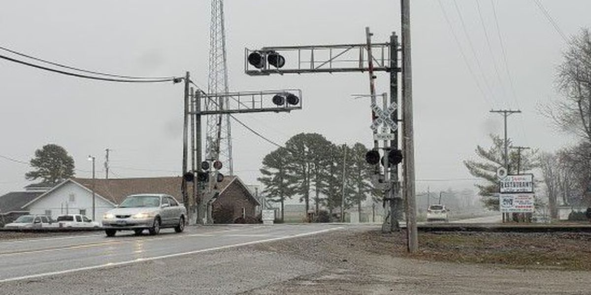 Railroad crossing repairs canceled in Ware, Ill.