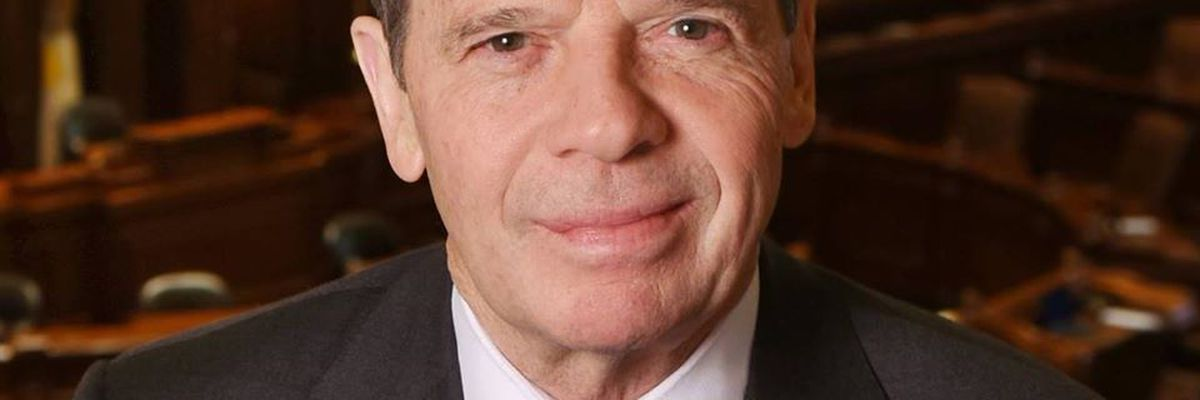 Illinois Senate President John Cullerton announced that he will retire from office in January 2020.