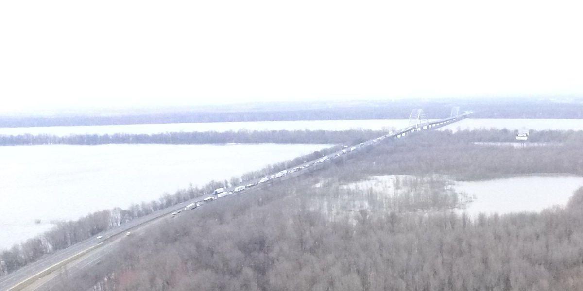 Lanes open after crash on I-24 Ohio River Bridge