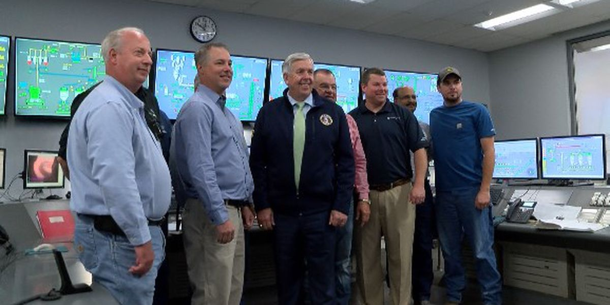 Gov. Parson makes stop in the Heartland