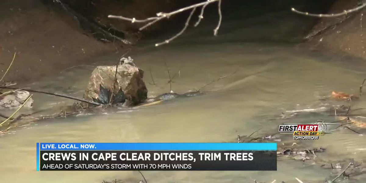 Cape Girardeau crews clear ditches, trim trees ahead of storm