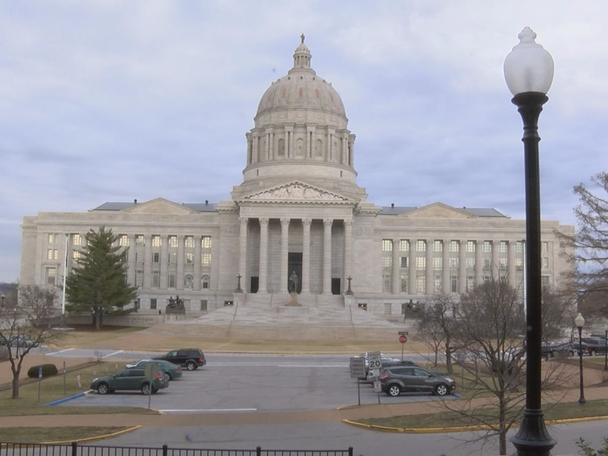 Mo. Capitol Dome, Governor's Mansion to shine purple for Military Child Day