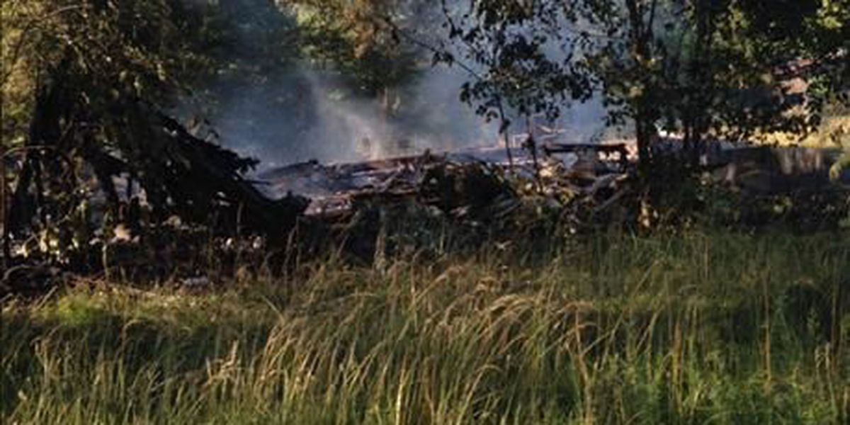 Fire destroys mobile home in Butler County