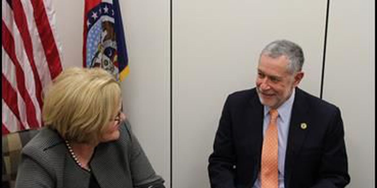 McCaskill and Southeast President meet to discuss affordable college