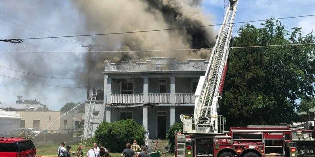Fire destroys vacant apartment building in Paducah, KY