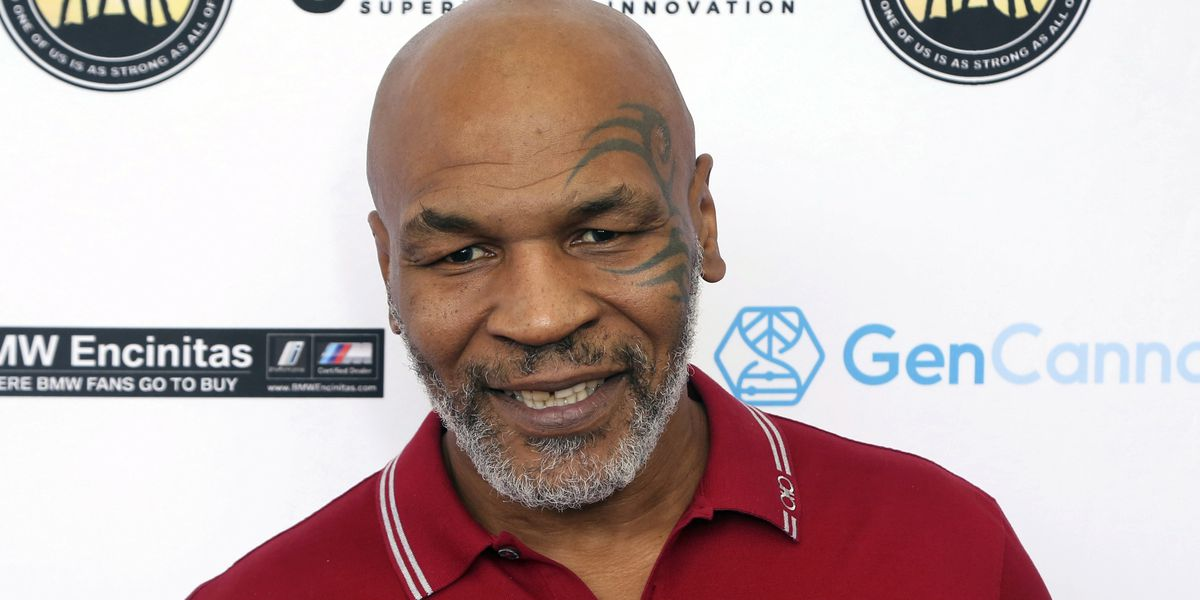 Mike Tyson returns to ring, draws in exhibition with Jones