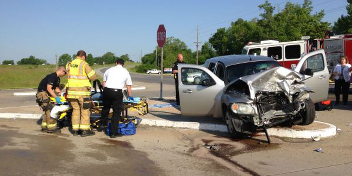 Cape Girardeau Police responding to 3-vehicle crash
