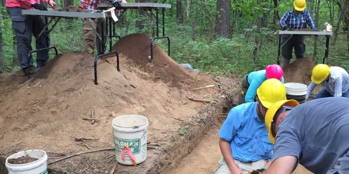 Archaeologists excavate pre-Civil War home in Miller Grove
