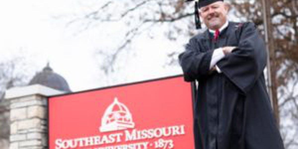 Former Cape Girardeau mayor to receive college diploma