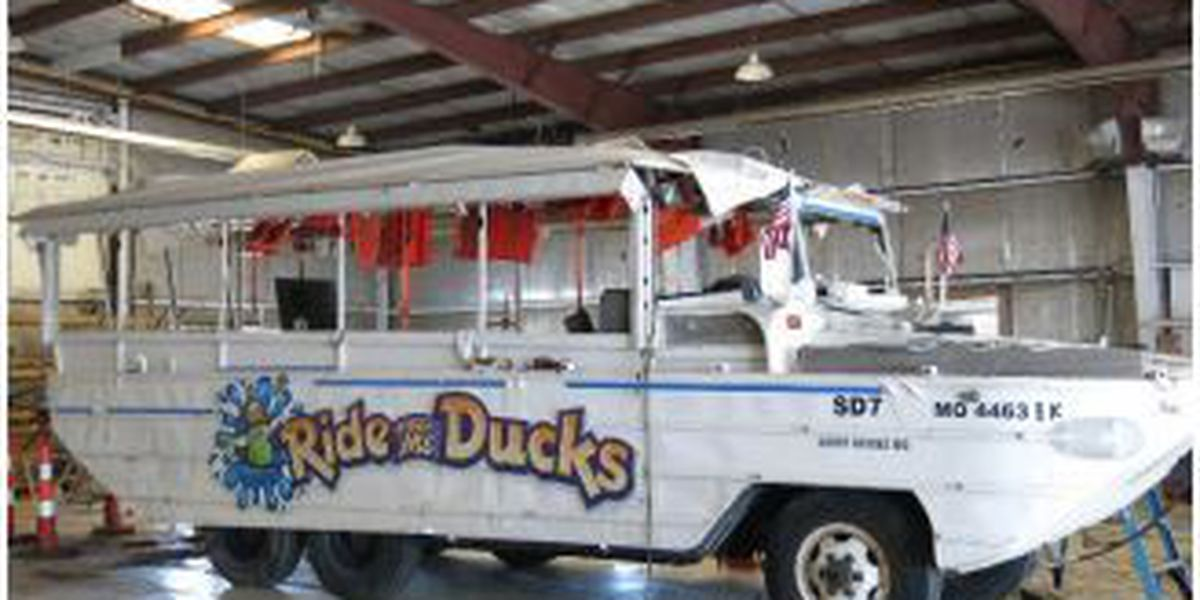 Hawley to reintroduce duck boat legislation in Congress