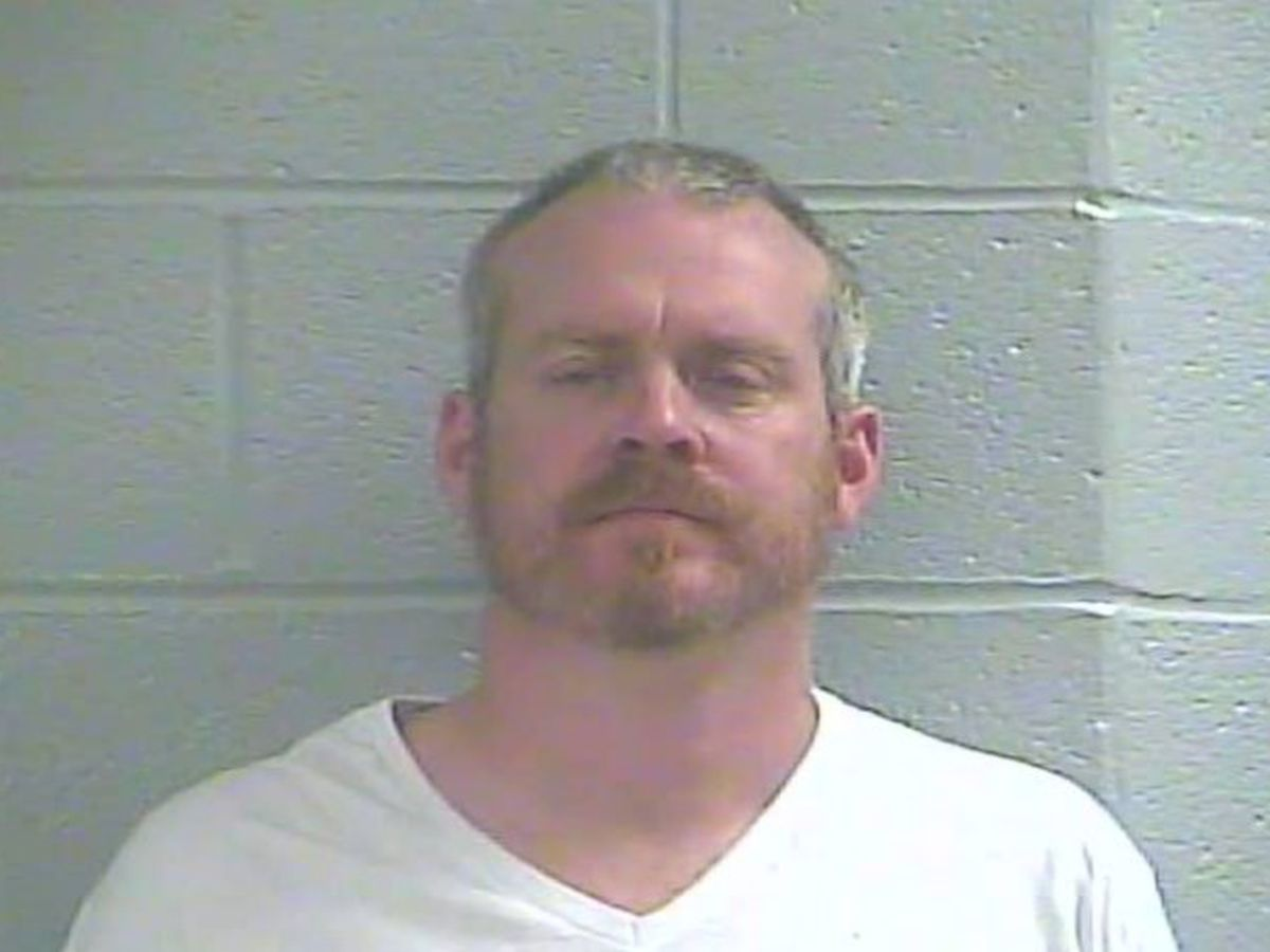 Tenn. man arrested for making bomb threat to bank