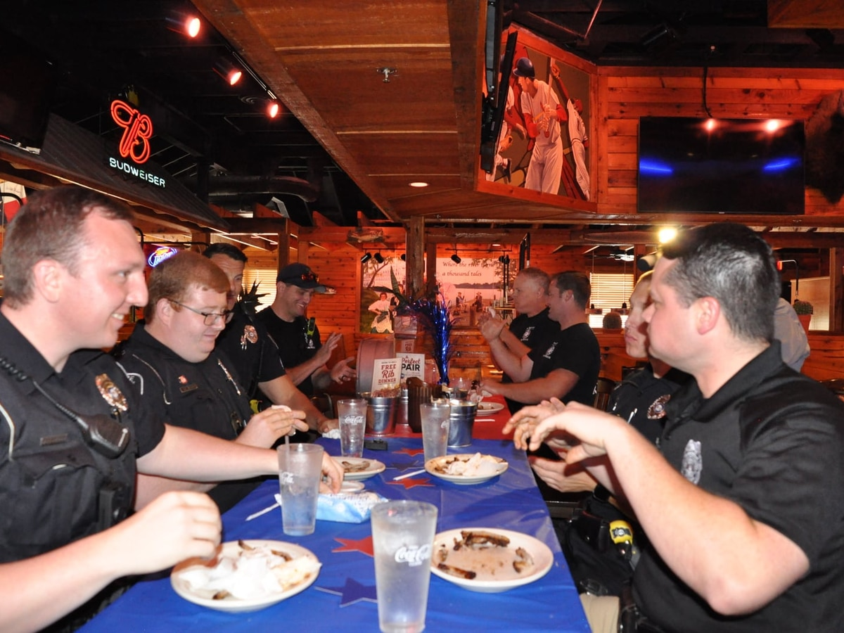 Cape Girardea Police and Fire Department compete in rib-eating challenge to raise money for Special Olympics