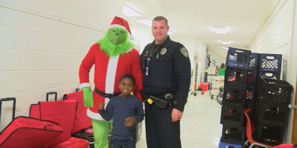 The Grinch tries to steal Christmas at Sikeston Elementary schools