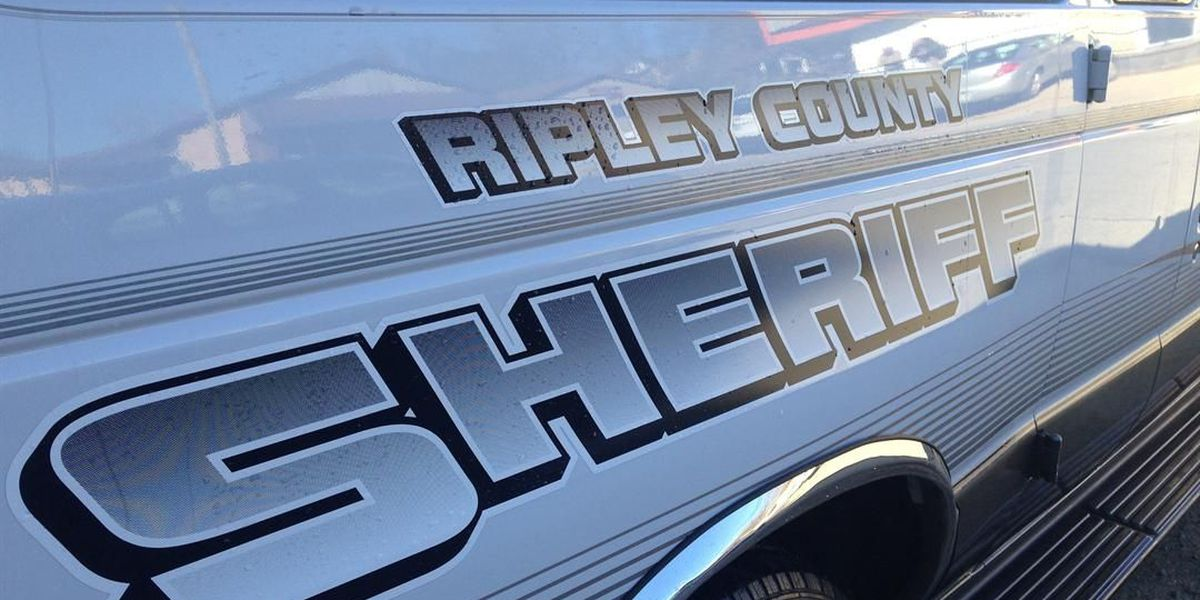 Sheriff's Office: Man stabbed in fight over woman