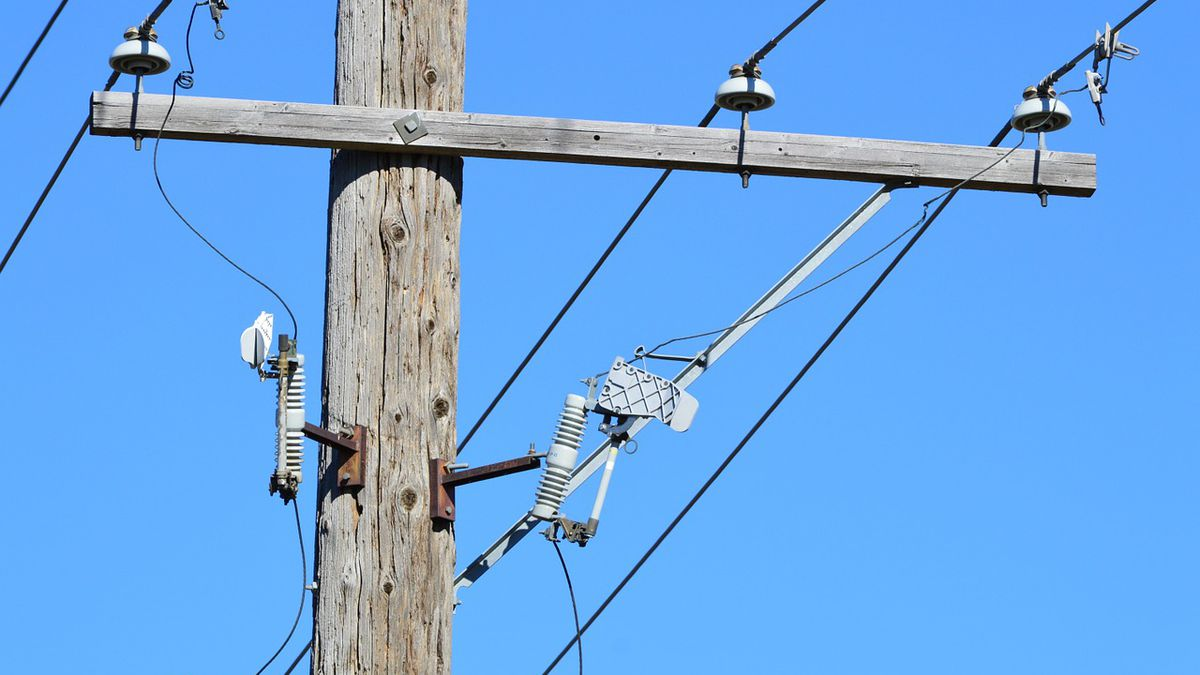 Power outages reported near Wolf Lake, IL