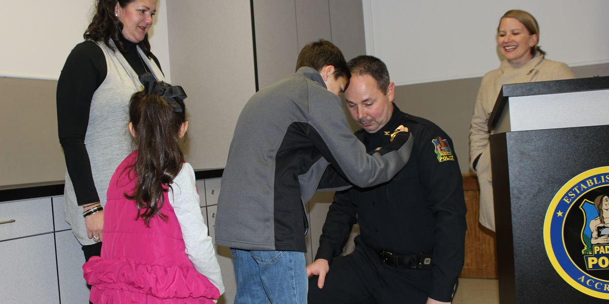 Paducah police chief pinned with new badge