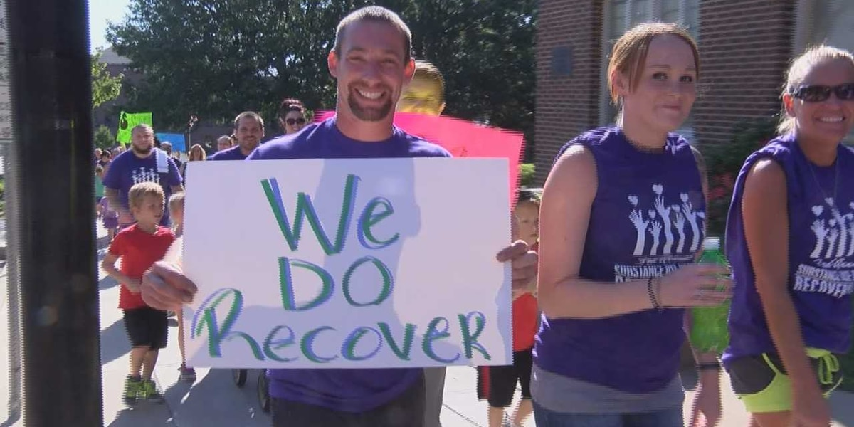 Many walk Cape Girardeau streets for substance use disorder recovery awareness
