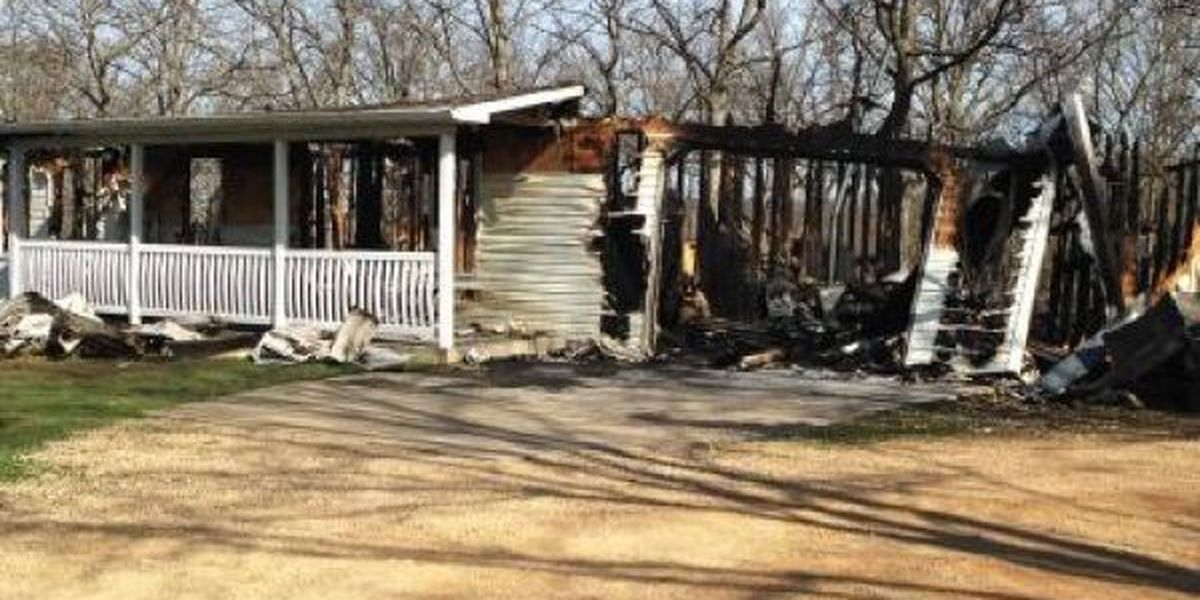 Overnight fire destroyes St. Francois County home