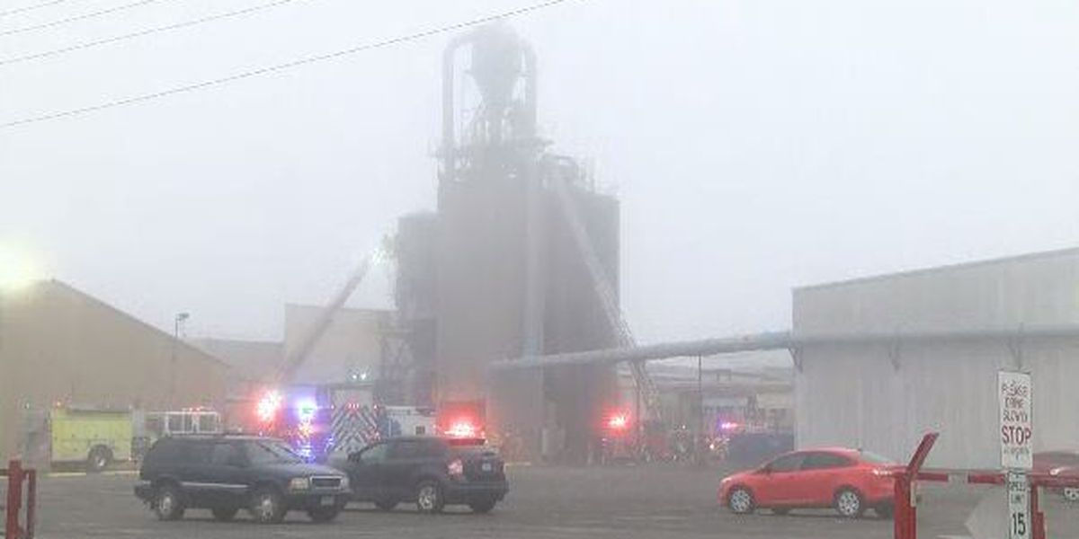 Crews respond to silo fire at Havco Wood Products in Scott City, Mo.