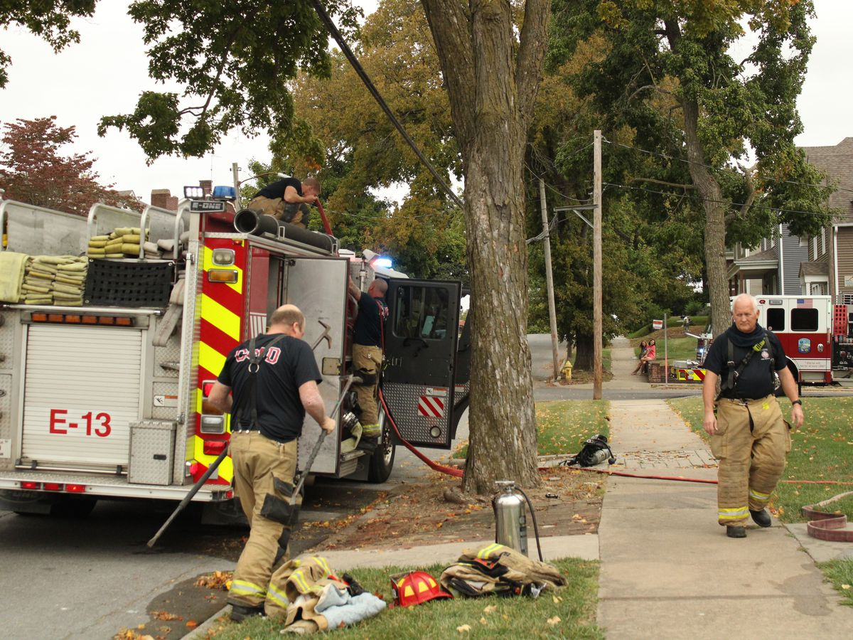 Cape Girardeau Fire Department respond to house fire