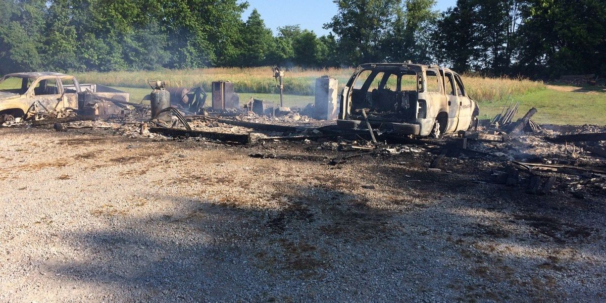 Homeowner says dogs alerted her to garage fire in Union Co., IL