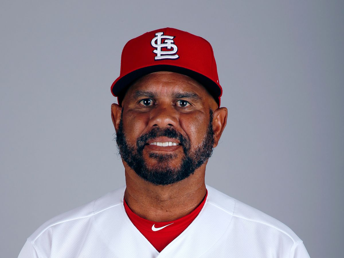 Oquendo will not return as Cardinals 3rd base coach
