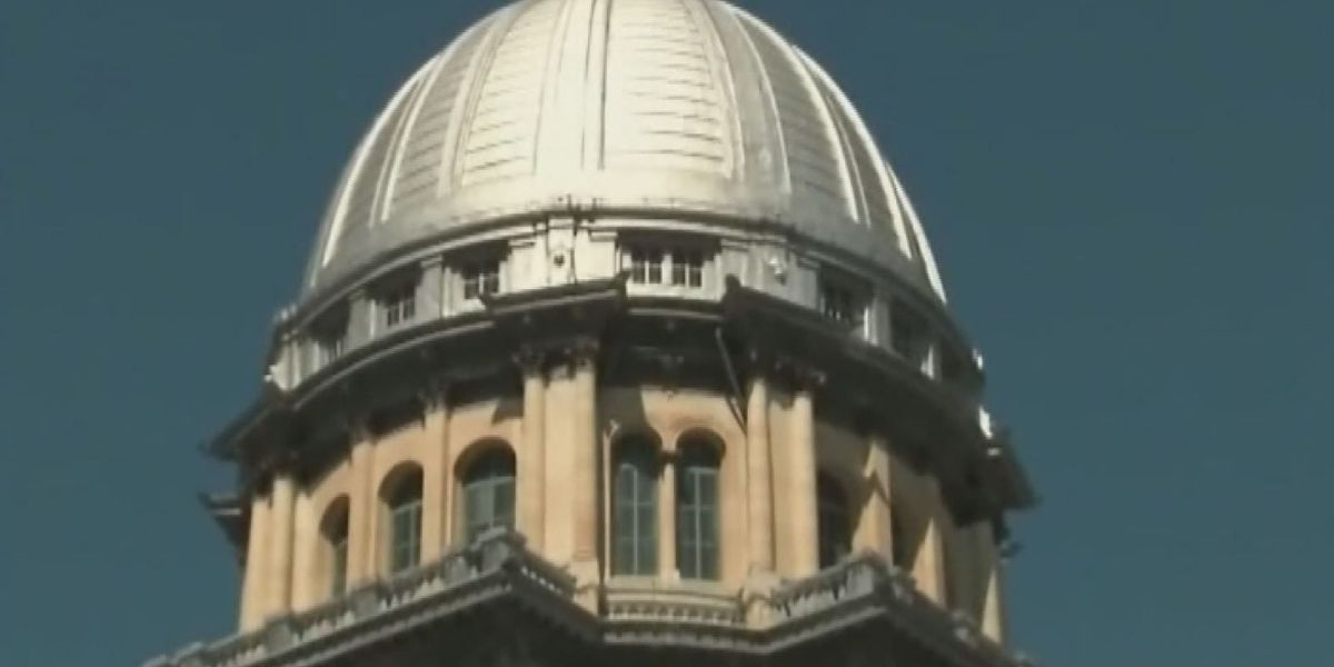 Illinois House passes school funding bill