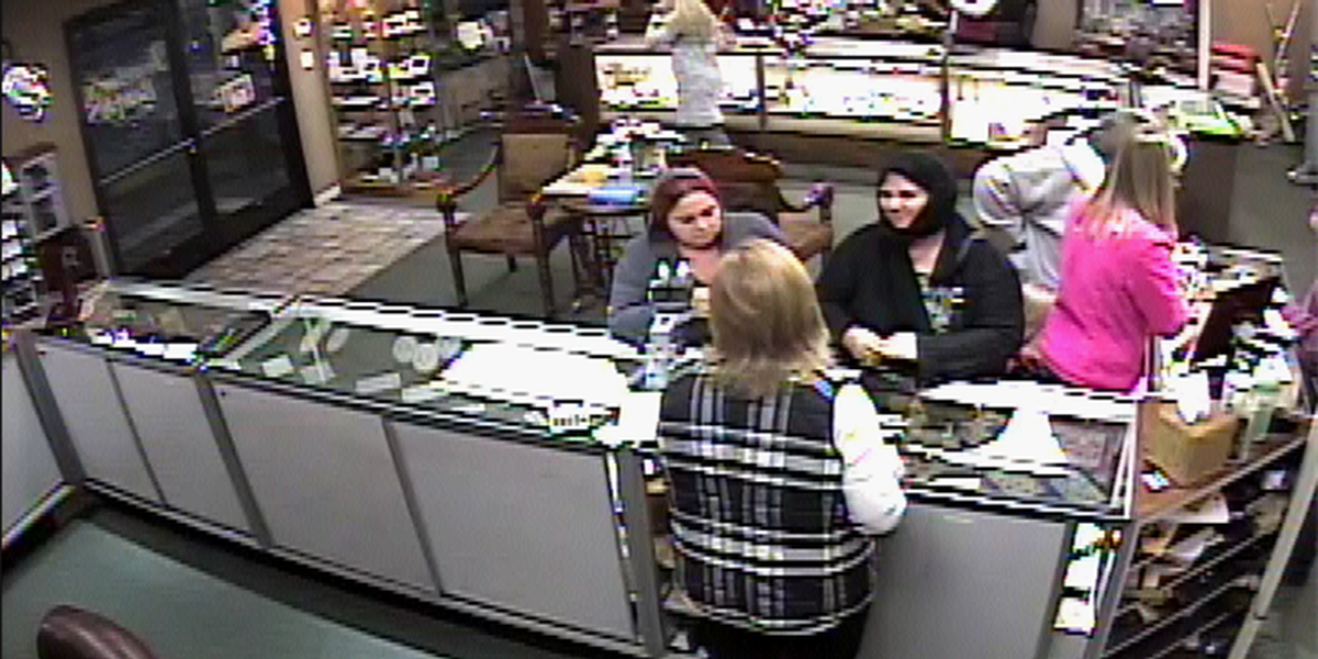 Suspected jewelry thieves wanted by Poplar Bluff police