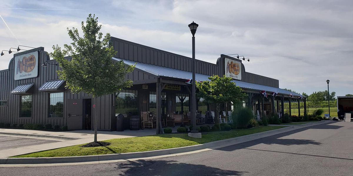 Early morning fire breaks out at Cracker Barrel restaurant in Mayfield