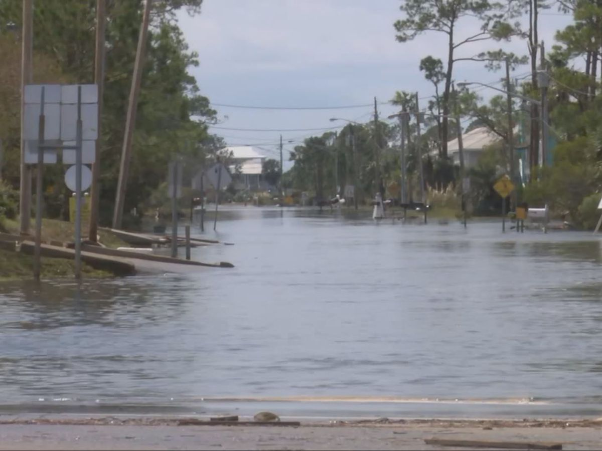 Hundreds of thousands still without power in Sally cleanup