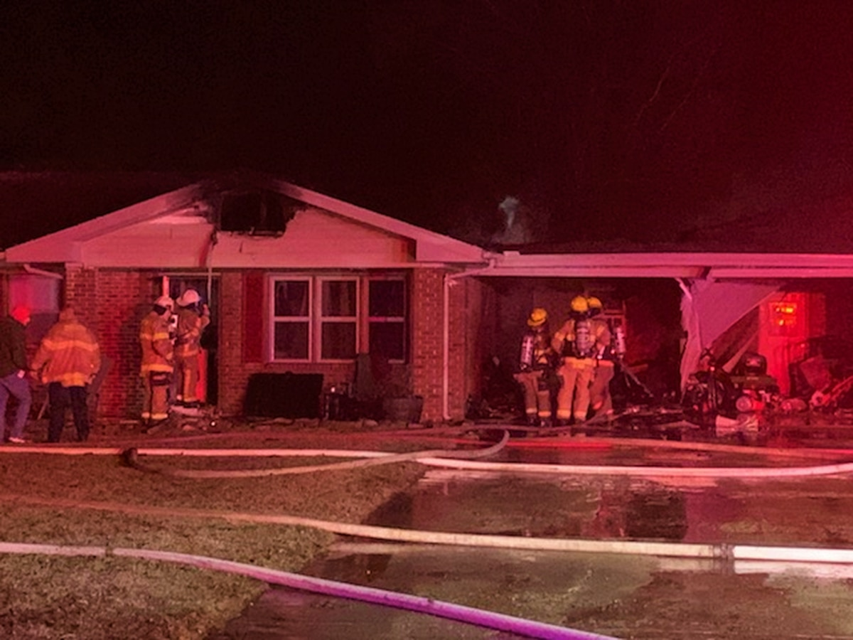 4 firefighters injured after house fire near Sikeston