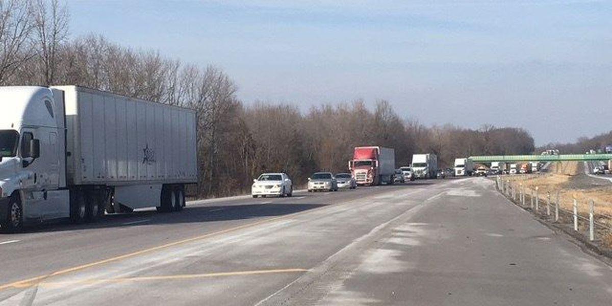 Crash on I-57 southbound near 51mm backs up traffic