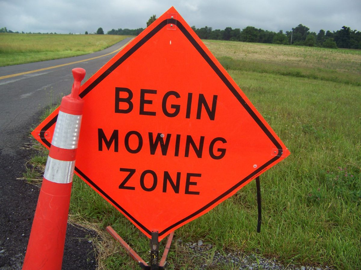 Ky. Transportation Cabinet reminds you to watch out for mowing crews on highways