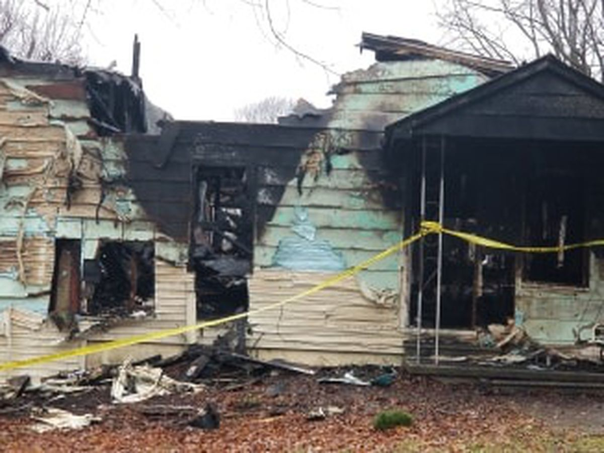 Early morning fire destroys Scott City home