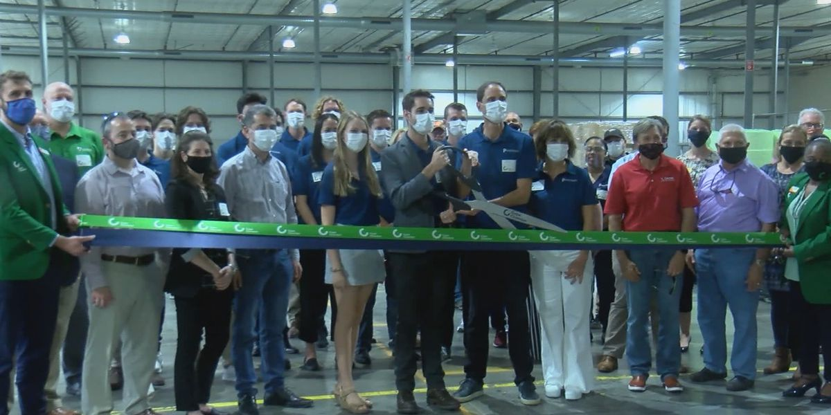Ribbon cutting held for Cape Girardeau's new medical device manufacturing company