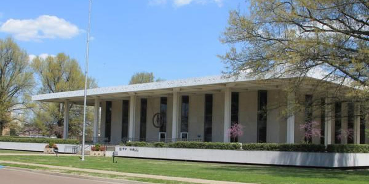 Paducah City Commission discusses City Hall renovations, approves road project